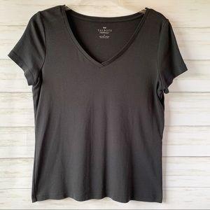 Talbots   Black Short Sleeve V-Neck Tee   M